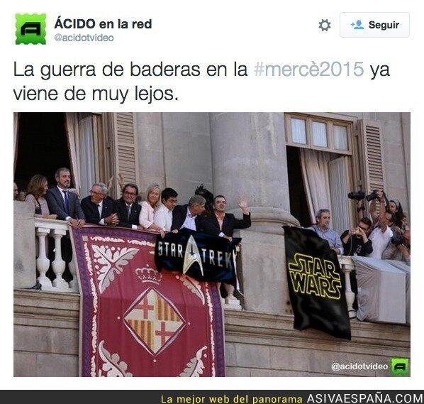 22772 - Sigue la guerra de banderas en el Ayuntamiento de Barcelona