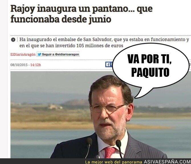 23822 - Mariano Rajoy siguiendo tradiciones