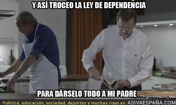 27575 - Rajoy cocinando su plato estrella con Bertín