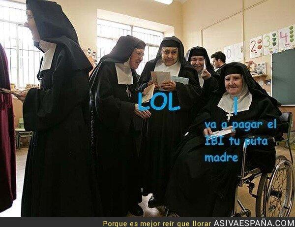 29904 - Mientras tanto, las monjitas votando...