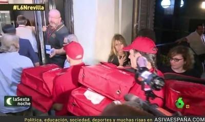 54530 - Envío masivo de pizzas a Ferraz, 'troleo' a Pedro Sánchez tras su dimisión