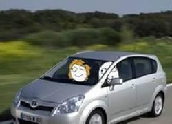 Enlace a Mantener la mirada conduciendo
