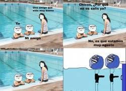 Enlace a En la piscina