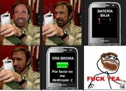 Enlace a Chuck Norris y su móvil