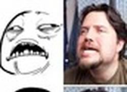 Enlace a Otro tío que se aburre y se dedica a imitar memes