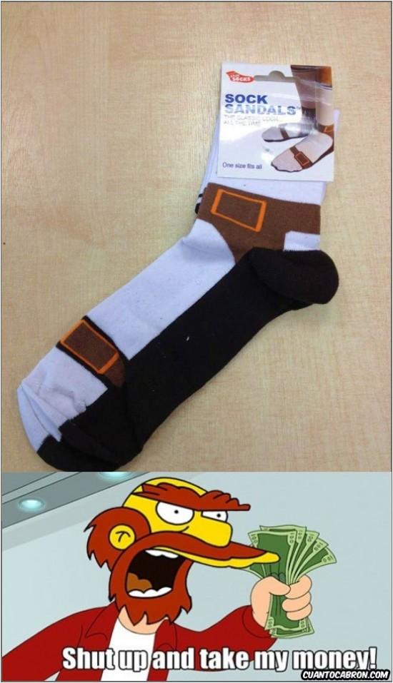Fry - Cuando pensabas que llevar sandalias con calcetines blancos no podía ser peor