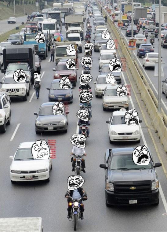 Trollface - Ventajas de ser motorista en un atasco