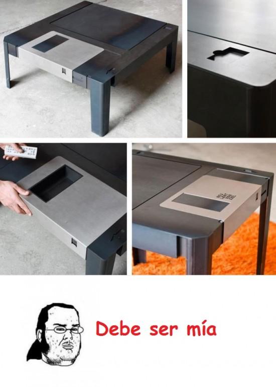 disco,diskette,floppy disk,friki,mesa,mesas