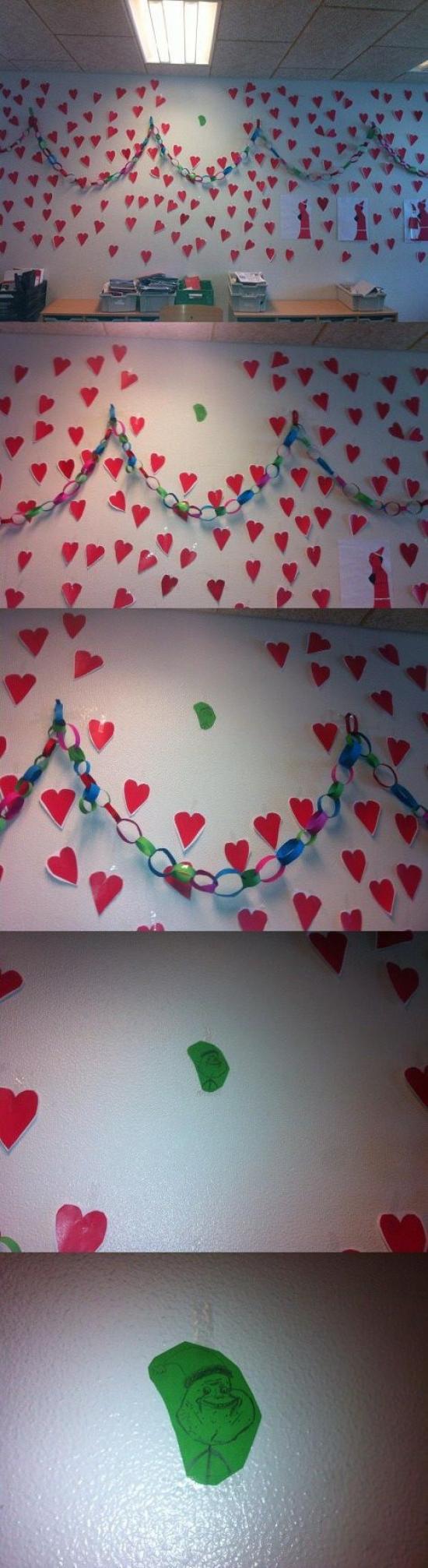 corazones,decoracion,forever alone,pared,rojo,verde