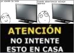 Enlace a Advertencias absurdas en la tele