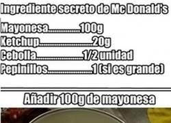 Enlace a ¿Quieres la receta secreta de la salsa deluxe de McDonald's?