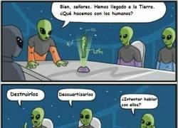 Enlace a Los aliens no hablamos. ¿Entendido?