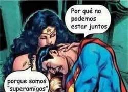 Enlace a Y así es como Superman también se une al club friendzone