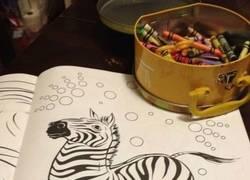 Enlace a Pinta y colorea genius