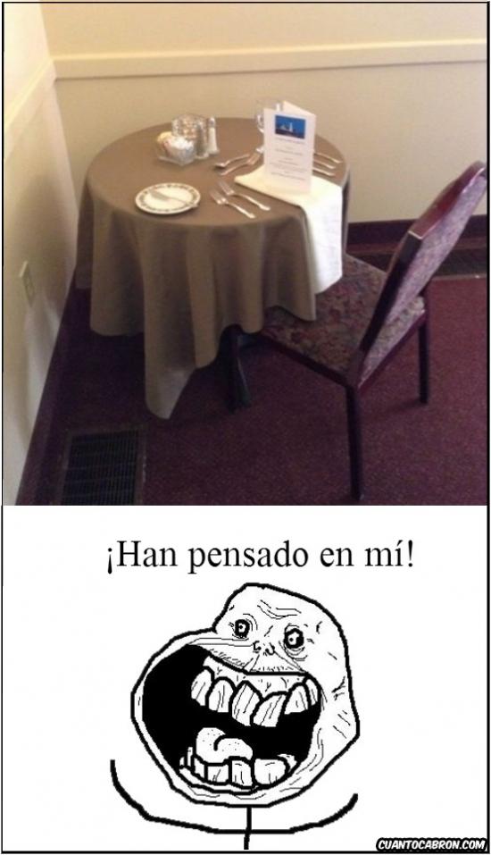 Forever_alone - La mesa de forever alone