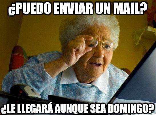 Abuela_sorprendida_internet - ¿Puedo enviar un mail?