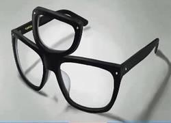 Enlace a Ten Shin Han, el hipster