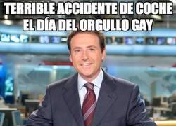 Enlace a Terrible accidente de coche el día del orgullo gay