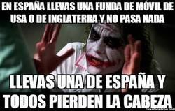 Enlace a En España llevas una funda de móvil de USA o de Inglaterra y no pasa nada
