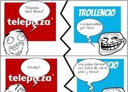 Enlace a Troll y las conversaciones random con el pizzero