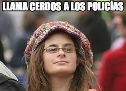 Enlace a Llama 'cerdos' a los policías