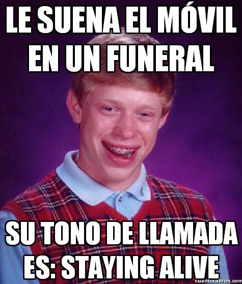 Bad_luck_brian - Le suena el móvil en un funeral