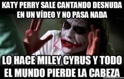 Enlace a No me compares a Katy con Miley...