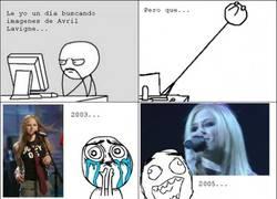 Enlace a Avril Lavigne inmortal