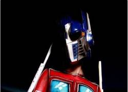 Enlace a A Optimus le gusta el Body Painting