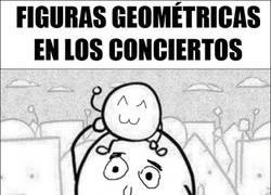 Enlace a Situaciones incómodas entre figuras geométricas