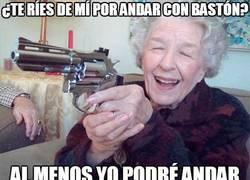 Enlace a Nadie se ríe de la abuela