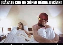 Enlace a Los superhéroes no siempre son la pareja ideal