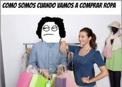 Enlace a Cómo ellas nos ven comprando ropa