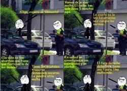Enlace a Un policía sin escrúpulos poniendo multas a diestro y siniestro