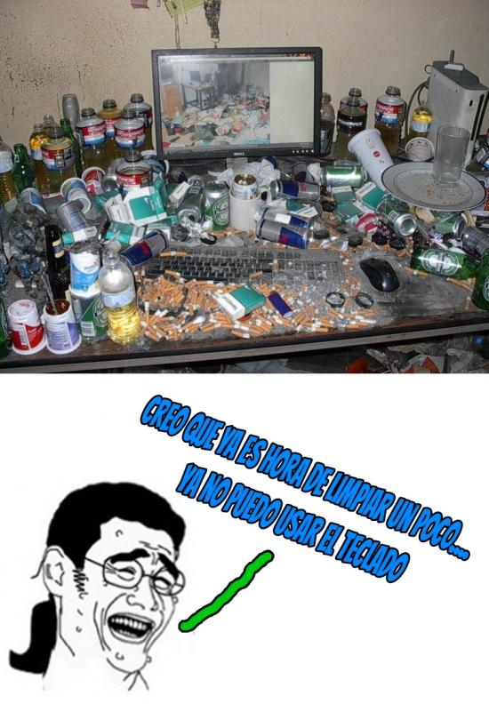 Yao - ¿Y tú crees que tu escritorio está desordenado y sucio? No has visto éste...