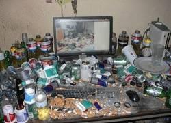 Enlace a ¿Y tú crees que tu escritorio está desordenado y sucio? No has visto éste...