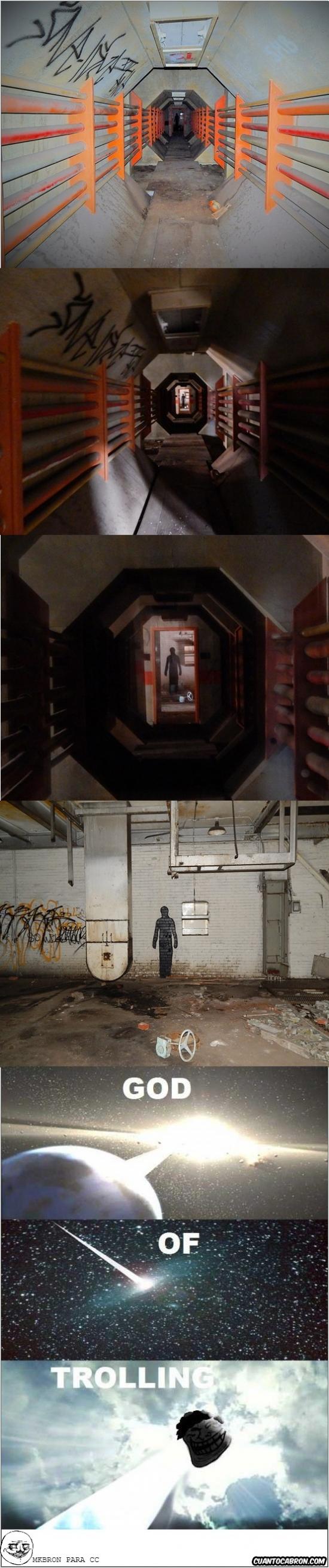 Trollface - Imagina entrar en una fábrica abandonada y encontrarte esto, rozando el infarto por una trolleada