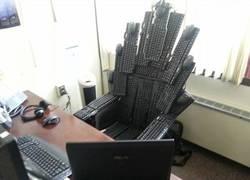 Enlace a El trono de un verdadero friki