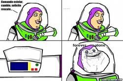 Enlace a Buzz Lightyear recibiendo un mazazo de realidad