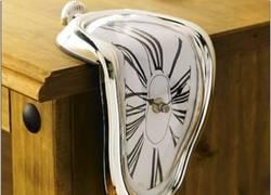 Enlace a Si Dalí siguiera vivo, ¿qué pensaría de estos relojes?