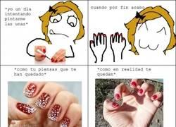 Enlace a El drama de cada vez que me pinto las uñas
