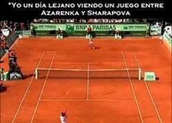 Enlace a La realidad al ver un partido de tenis entre Sharapova y Azarenka