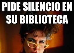 Enlace a Bibliotecarias que se quejan del ruido pero luego son ellas las que lo provocan