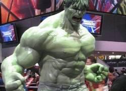 Enlace a El pequeño Hulk sabe que nunca llegará a ser tan grande