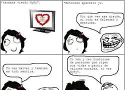 Enlace a Si te van los cómics tienes algo de lo que estar orgulloso, si ves Telecinco...