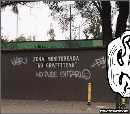 Trollface - Los grafiteros también tienen sentido del humor