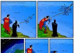 Enlace a La fuerza de Superman es peligrosa hasta para sus amigos