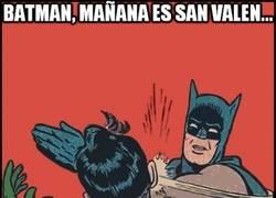 Enlace a Batman al rescate para evitar el día más estúpido del año