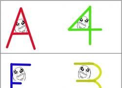 Enlace a Parecidos entre letras y números