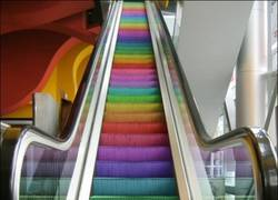 Enlace a Escaleras muy coloridas